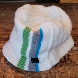 Knit vintage billed DC hat